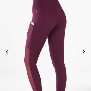 Maroon Fabletics Capri Leggings
